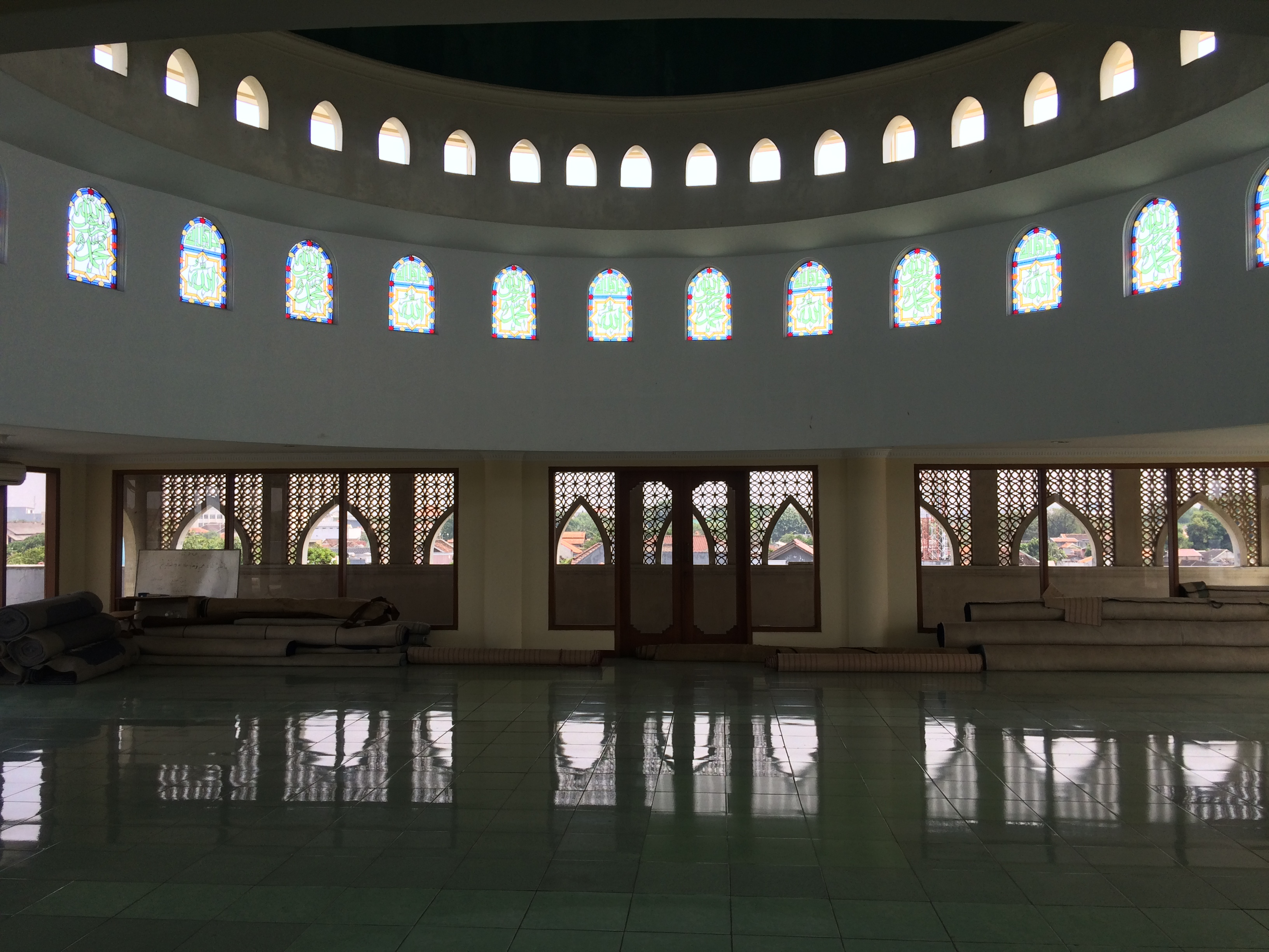 The uppermost floor of the masjid.